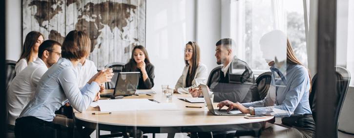 reunião para criar estratégias de marketing